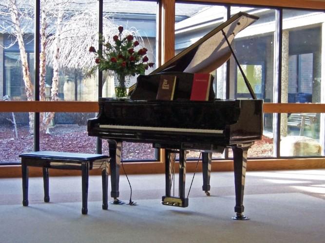 Transport pianin i fortepianów w wielkim mieście
